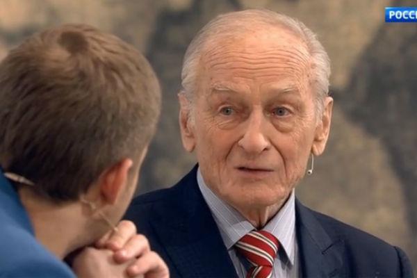 Ножкин снялся в более 30-ти фильмах и сериалах