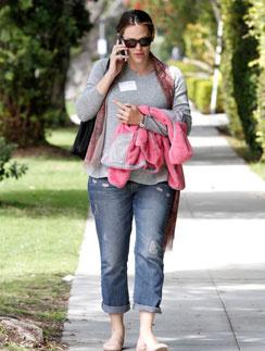 Дженнифер Гарнер спустя месяц после родов