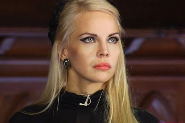 Джулия Ванг стала победеителем 15-го сезона Кадр из шоу «Битвы экстрасенсов