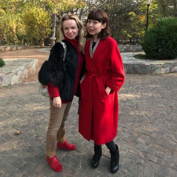 Виталина Цымбалюк-Романовская вместе с подругой в Грузии