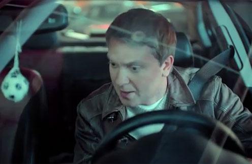 Сергей Светлаков на съемках рекламного ролика