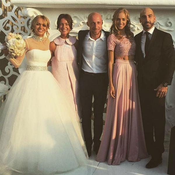 Анна Хилькевич с мужем и гостями