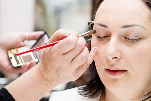 Основной тон для макияжа глаз - бежевый