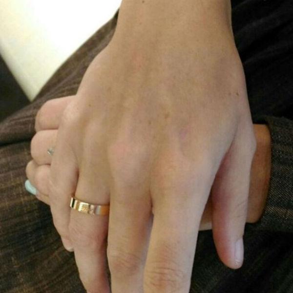 Дана Борисова заинтриговала всех снимком кольца