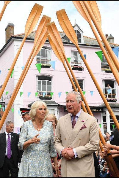 Сейчас принц Чарльз и его супруга часто посещают благотворительные мероприятия