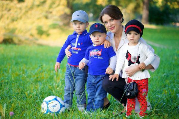 Юлия Ионина с детьми