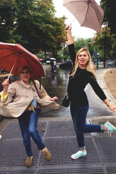 Алиса Бруновна с внучкой очень близки