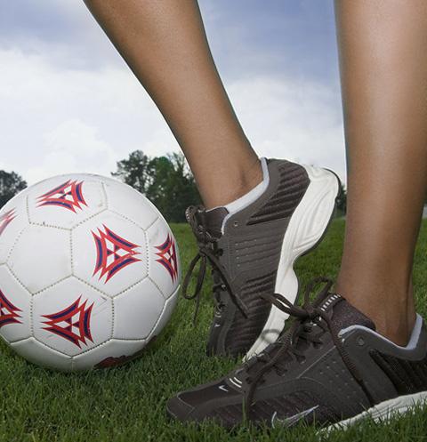 Опрос: голосуйте за самую красивую жену футболиста