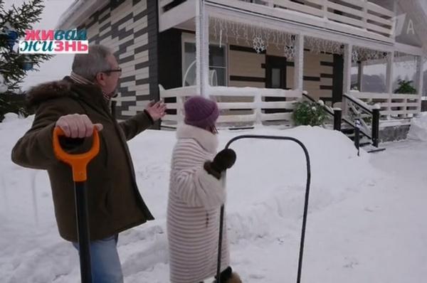 Роза Сябитова показала, в каких условиях живет за городом