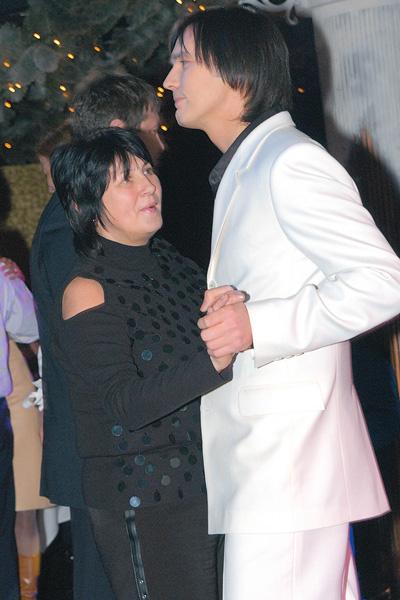 Влад с мамой Натальей Львовной на праздновании своего 30-летия в казино «Метелица», 2004 год