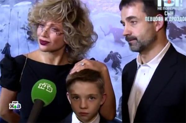 Родители дали сыну возможность понять, как удерживать внимание публики