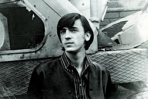 После школы Михаил поступил в Ленинградский государственный институт театра, музыки и кинематографии. На фото – 1968 год