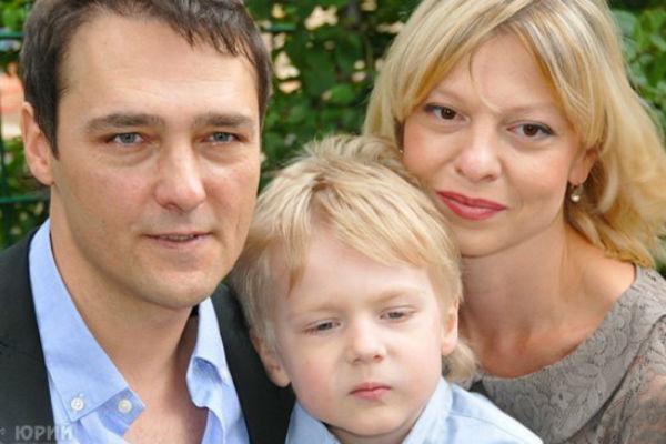 Юрий и Светлана Шатуновы с сыном Дэннисом