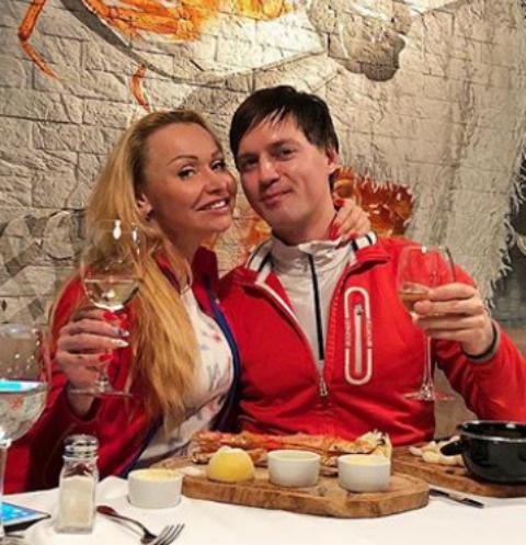Андрей Бурдуков с подругой Любовью