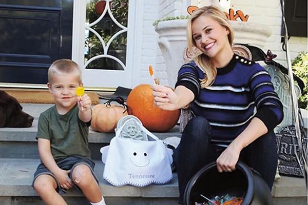 Общий сын Теннесси Джеймс появился на свет у Уизерспун и Тота в сентябре 2012 года