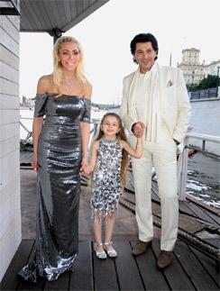 У Мареллы и Авраама теперь две дочки