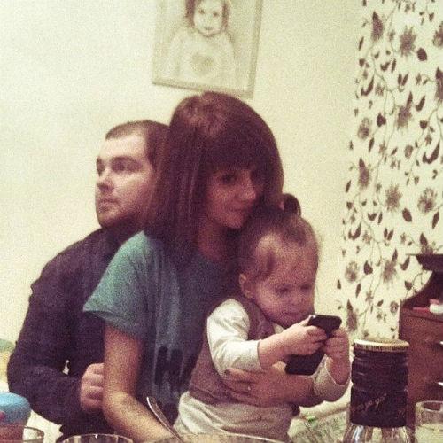 Анна Руднева с мужем Павлом Сердюком и дочкой Софьей