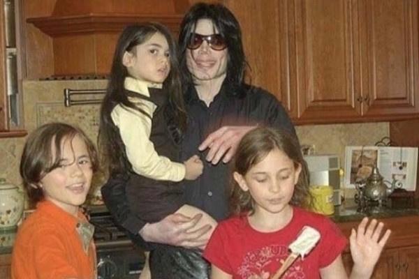 Майкл Джексон обожал проводить время с детьми