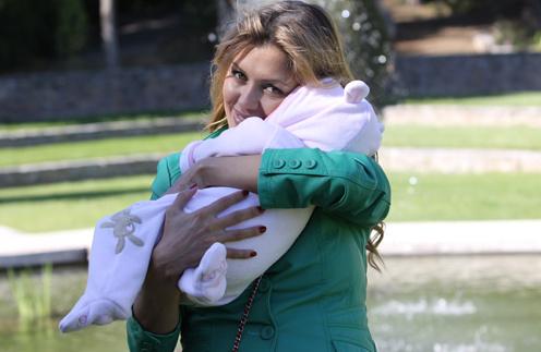 Вика с малышкой Анджелиной