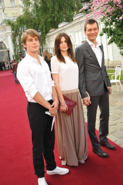 Филипп Янковский и Оксана Фандера с сыном Иваном