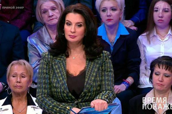 С 2014 года Екатерина ведет политическое ток-шоу «Время покажет»