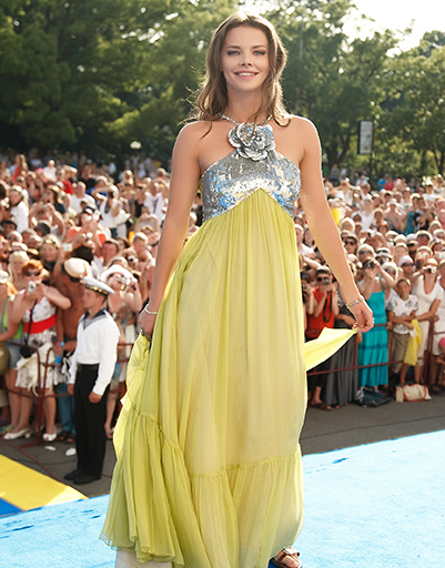 Фото платьев лизы боярской