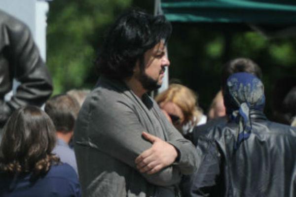 Филипп Киркоров приехал на Николо-Архангельское кладбище, чтобы проститься с подругой