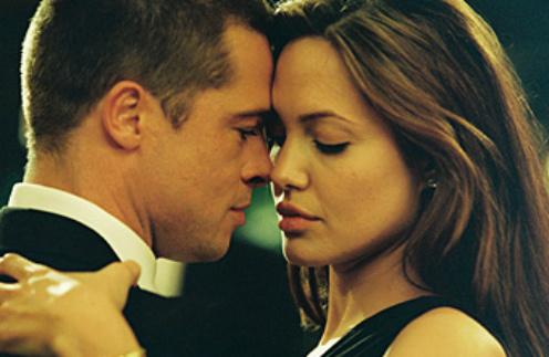 """Анджелина Джоли и Брэд Питт вместе снимались в фильме """"Мистер и миссис Смит"""" в 2005 году"""