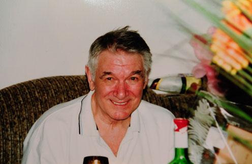 Еще пять лет назад, отмечая 75-летие, Александр Белявский был бодр и весел. К 80-летнему юбилею сил осталось мало