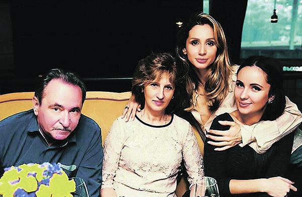 Светлана с семьей