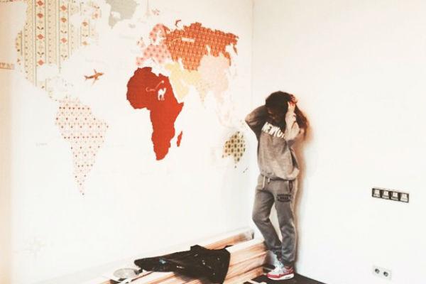 В комнате четырехлетнего сына Алены Водонаевой будет красоваться карта мира во всю стену