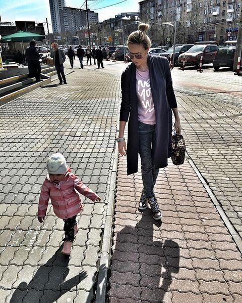 Дочь Задойнова и Камирен живет с матерью. Сейчас малышке два года