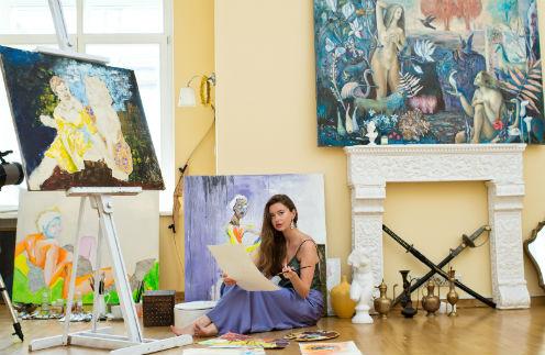 Наталье поступает много заказов на полотна. Актриса даже задумалась об открытии картинной галереи