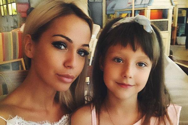Лиза Триандафилиди с дочерью