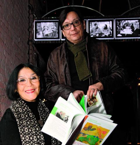 Егор Кончаловский с мамой Натальей Аринбасаровой
