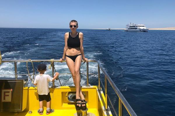 Дарья Мельникова уехала в отпуск с семьей