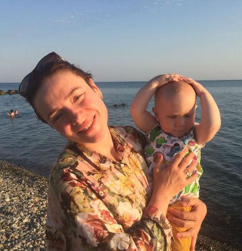 Тутта Ларсен с сыном Иваном