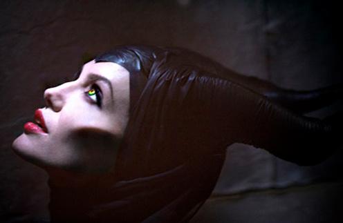 Анджелина Джоли в роли волшебницы Малефисенты