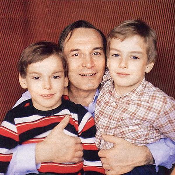 Лановой с сыновьями - Сашей и Сергеем