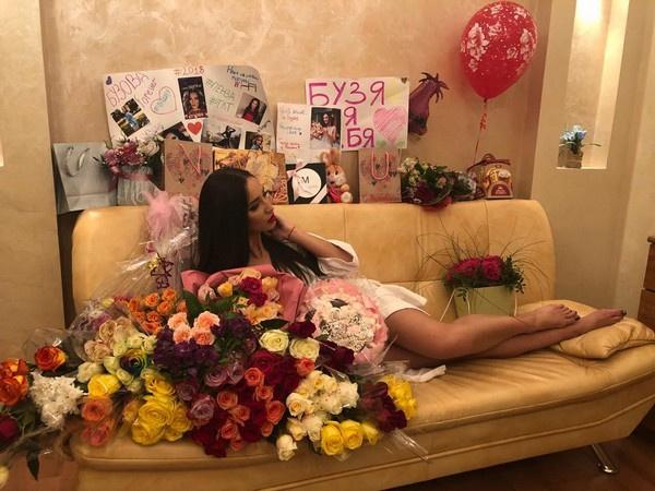 Ольга Бузова отказывается уступать свое место на«Дом-2» другой ведущей