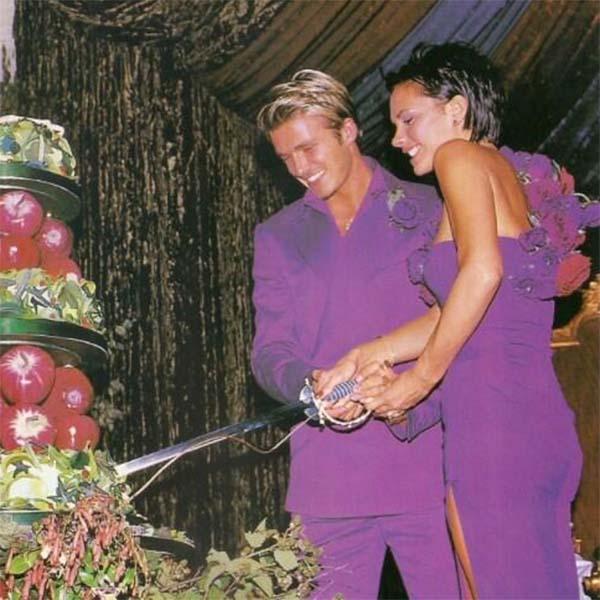 Фрукты вместо торта. Даже свадьба - не повод расслабляться.