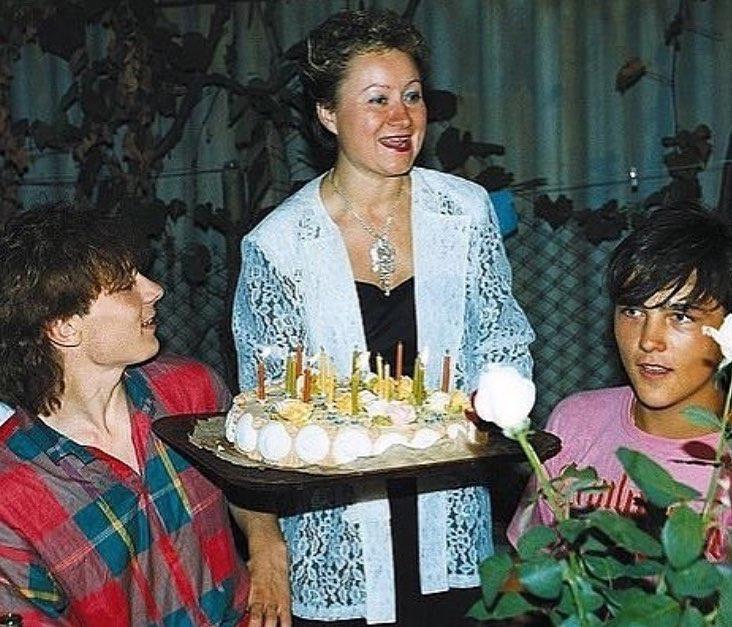 Андрей Разин (слева), Юра Шатунов и его опекун Галина Венедиктова