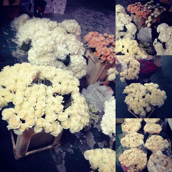 На оформление торжества ушло несколько тысяч живых цветов