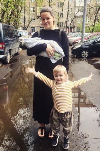 В конце апреля поэтесса вновь стала мамой