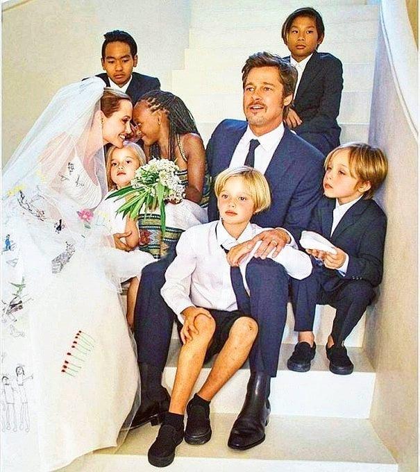 Анджелина Джоли и Брэд Питт с детьми день своей свадьбы