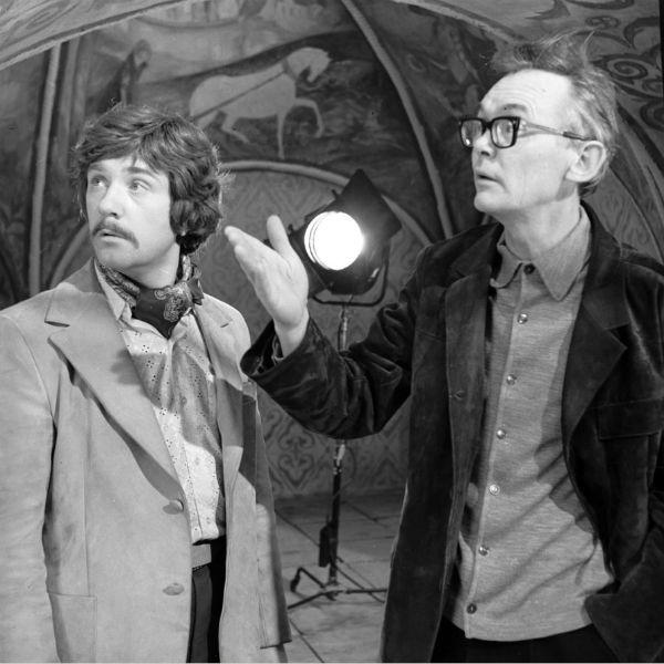 В образе Жоржа Милославского с Леонидом Гайдаем
