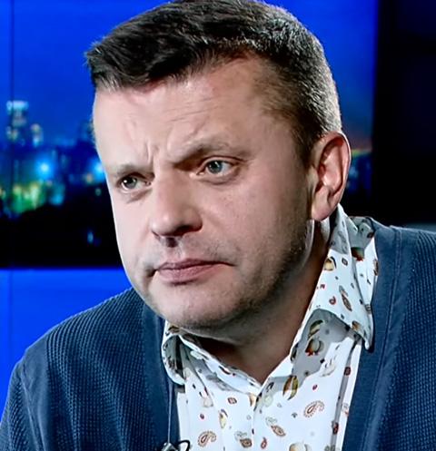 Леонид Парфенов будет  ведущим программы «Намедни вкараоке»