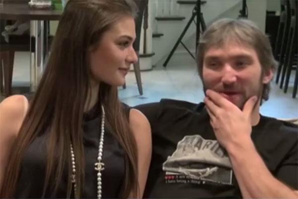 Настя и Саша давали интервью, тесно прижавшись друг к другу