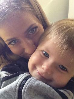 Юлия Барановская с сыном Арсением