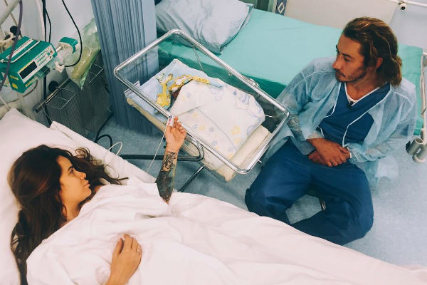 Айза Анохина рожала второго сына в прямом эфире